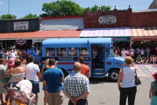 Titans bus